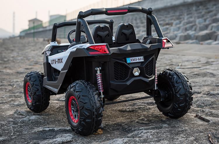 xe-o-to-dien-tre-em-jeep-nguoi-nhen-nd-2018-cum-den-sau