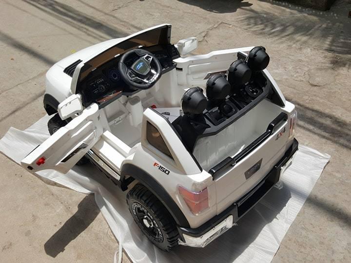 xe-o-to-dien-cho-be-jeep-bbh-1388-2-cua-mo-ngang