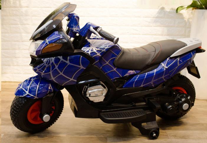 Xe điện trẻ em hzb-118 được phủ lớp sơn tĩnh điện theo phong cách Spider Man