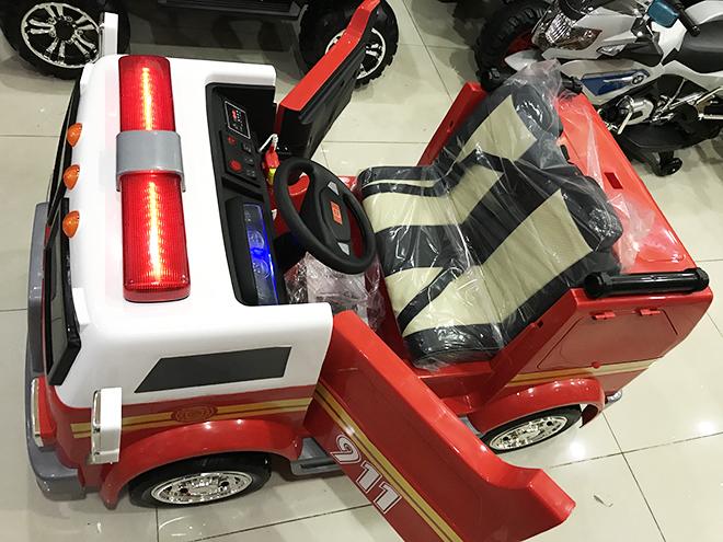 Xe ô tô cứu hỏa điện trẻ em LL-911 2 cửa mở ngang