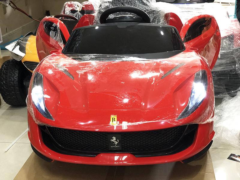 Xe ô tô điện trẻ em BDQ-2199 màu Đỏ