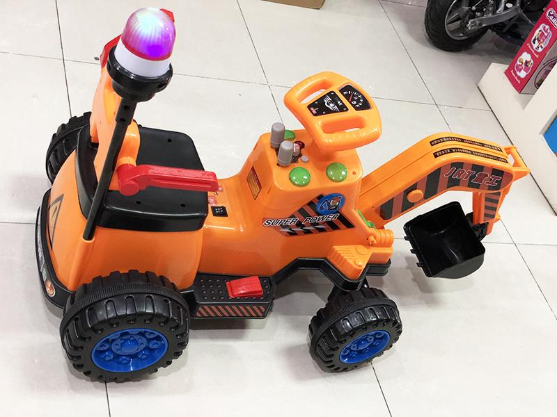 Xe cần cẩu điện trẻ em JRT-318 đèn chớp phía sau