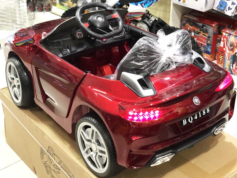 Xe điện trẻ em BQ-4188 cụm đèn LED sau