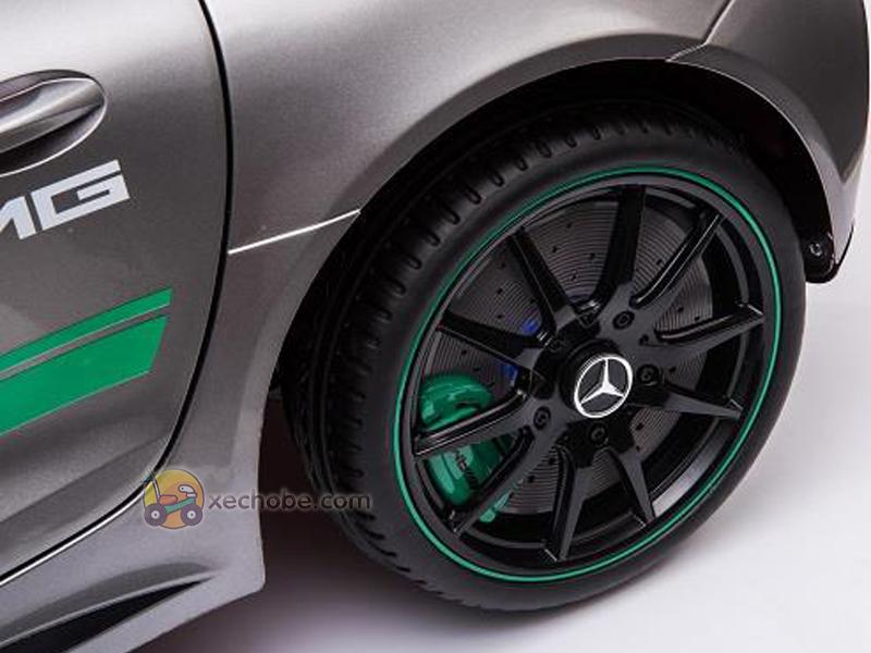 Bánh xe có Logo của hãng Mercedes