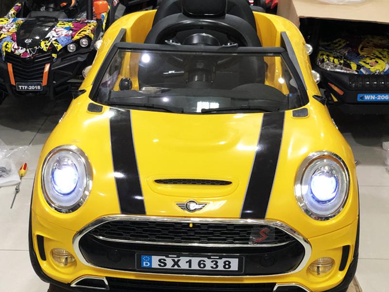 Xe ô tô điện trẻ em SX-1638 đèn LED trước siêu sáng