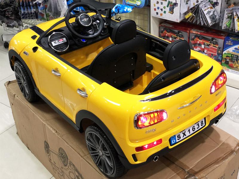 Xe điện trẻ em SX-1638 với cụm đèn LED sau