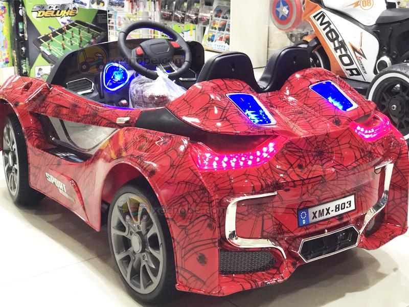 Ô tô trẻ em tự lái BMW i8 Cụm đèn LED sau siêu sáng
