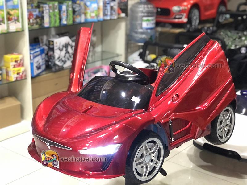 Xe điện trẻ em 6189 có thiết kế bánh cao su non đặc